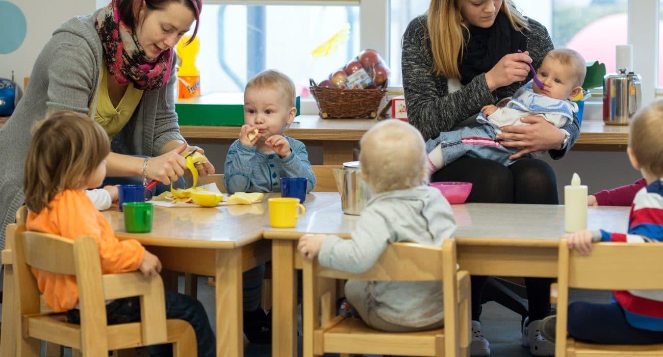 Kita Kindergarten Kindertagesstätte Kind Baby Kinder Erzieherin frühkindliche Bildung