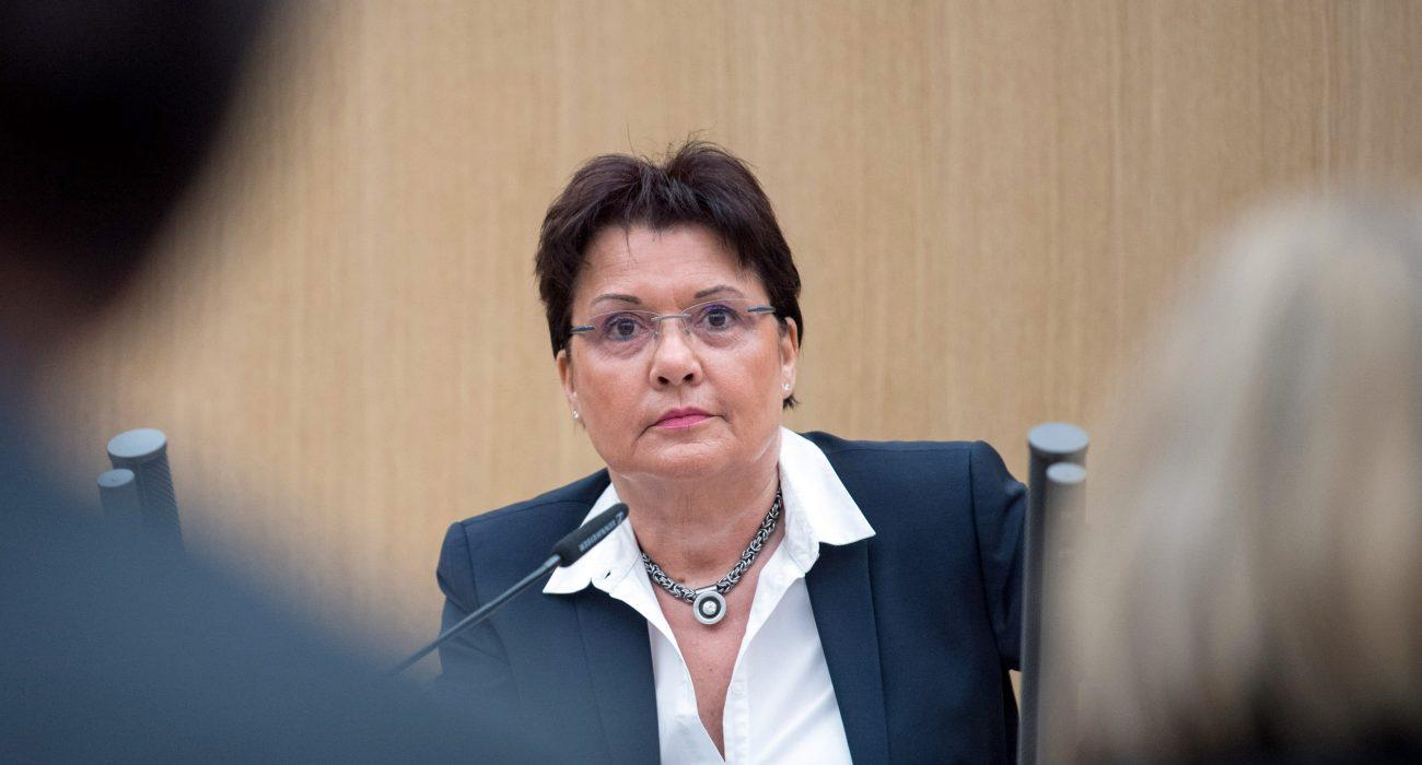 Claudia Stöckle, ehemalige Rektorin der Verwaltungshochschule Ludwigsburg, spricht während der 13. Sitzung des Untersuchungsausschusses «Zulagen Ludwigsburg»